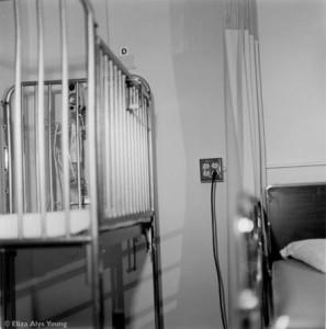 hospital_crib