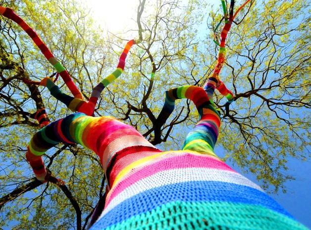 Yarn-Bombing-wiki